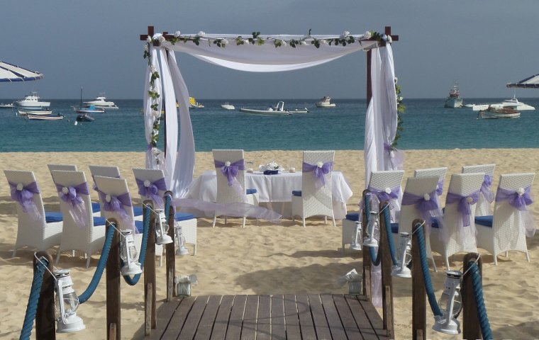 Beach Club - Large Arbour